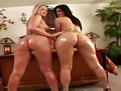 Double Butt Show 3