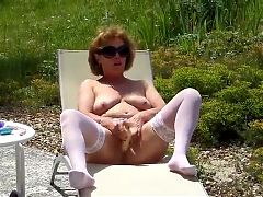 Nice Mature White Stocking Outdoor Masturbate