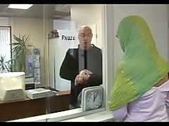 Arab Woman Needs Money In Germany