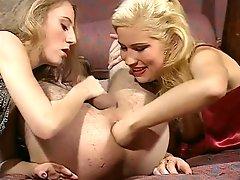 Debora Coeur U A Classic Assfist Chain Reaction