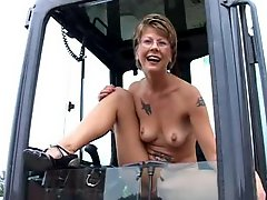 Short Hair Milf Outdoor Action