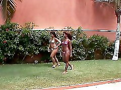 Latinas Getting Wet By The Pool