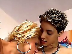 Lesbians Busty Mature Seduced By A Skiny Teen