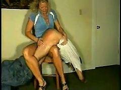 Spanking Momsknee 2