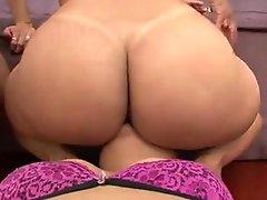 Lesbian Bubble Booty Worship