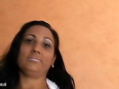 Mature Mom Paloma Loves To Play With Her Clit