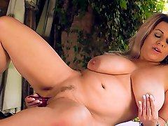 Cumming With Veronika